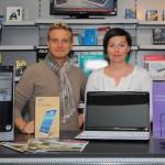 Teamfoto von Mario Wolfsteiner und Doris Großwindhager mit Laptop