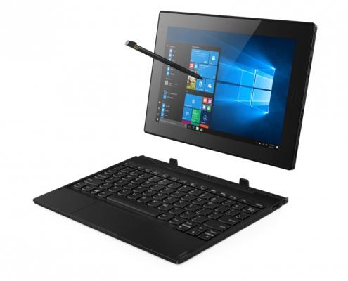 Lenovo Tablet 10 mit Stift und Tastatur abgedockt