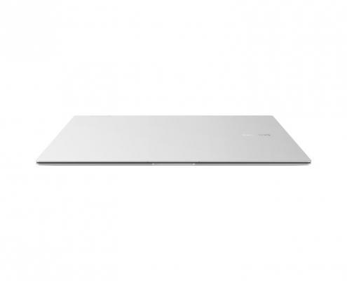 Samsung Galaxy Book Pro 360 15 Mystic Silver -vorne geschlossen